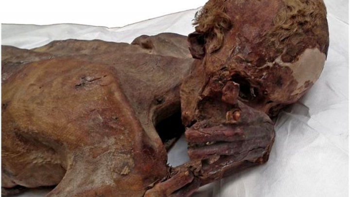 Cele mai vechi tatuaje găsite pe mumiile egiptene de acum 5.000 de ani. Cum arătau acestea