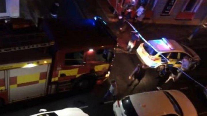 Cel puţin 13 oameni au fost răniţi într-un club de noapte din Londra, după ce un bărbat a intrat cu maşina în local (VIDEO)