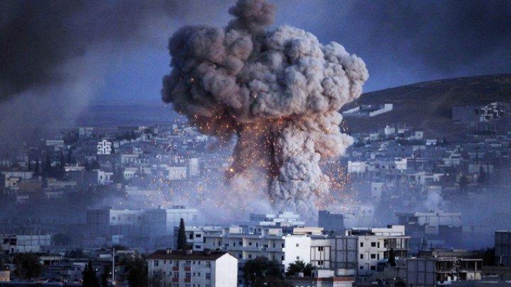 Un aeroport militar din Siria, bombardat. Atacul s-a soldat cu mulţi morţi şi răniţi