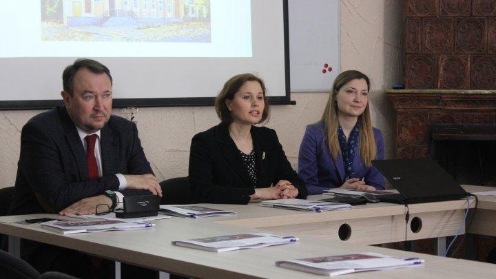 Ministrul Justiției îndeamnă avocații să fie mai insistenți în apărarea drepturilor cetățenilor
