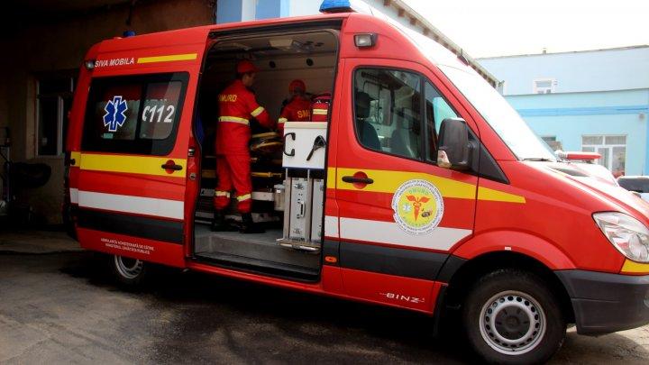 Intervenţie SMURD. O moldoveancă, rănită într-un accident rutier în Ungaria, adusă de urgenţă acasă