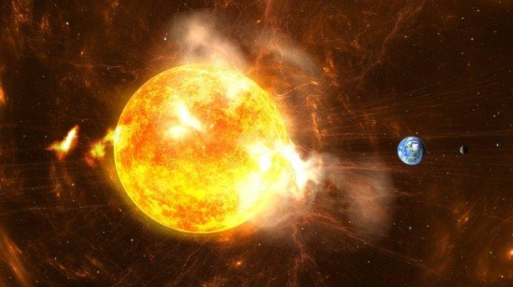 Trei găuri coronale au apărut pe suprafaţa Soarelui. Pământul ar putea fi lovit de furtuni geomagnetice
