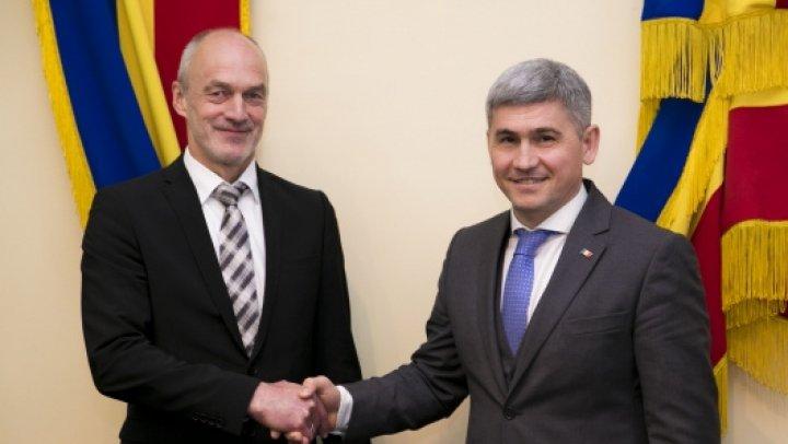 Biroul Federal de Investigații Criminale din Germania a venit la Chişinău. Ce fac în Moldova şi cu cine s-au întâlnit
