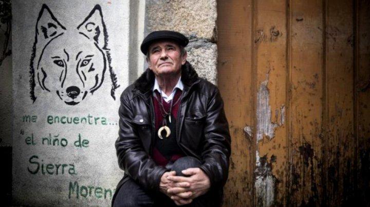 Povestea tristă a bărbatului care a fost crescut de lupi. La vârsta de 72 de ani, Marcos nu se poate adapta printre oameni și suferă de frig