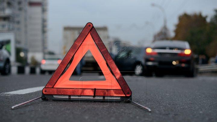 InfoTrafic: Accident rutier la intersecția străzilor Ismail cu Calea Basarabiei
