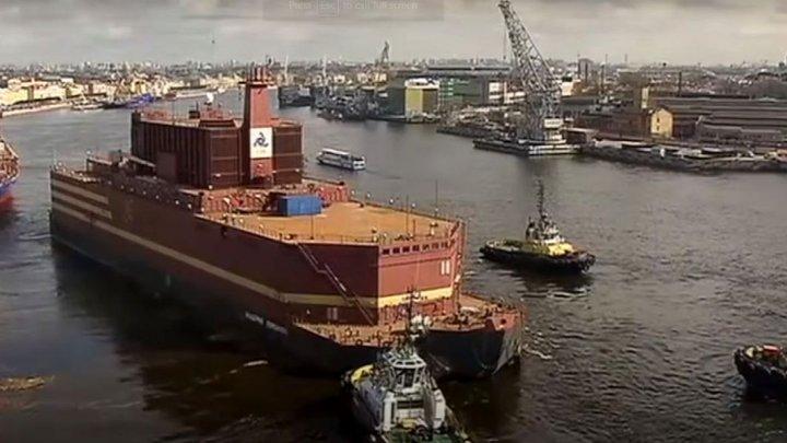 Rusia a lansat o centrală nucleară plutitoare. Aceasta va asigura electricitate pentru un oraş de 100.000 de locuitori (VIDEO)