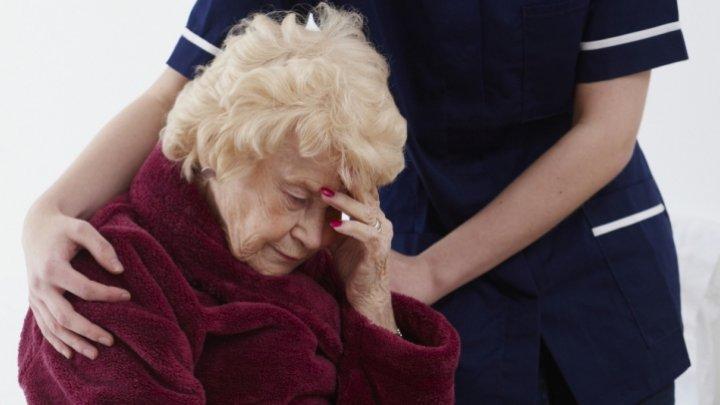 Cercetătorii au descoperit cauza genetică a bolii Alzheimer şi o posibilă metodă pentru inversarea efectelor ei