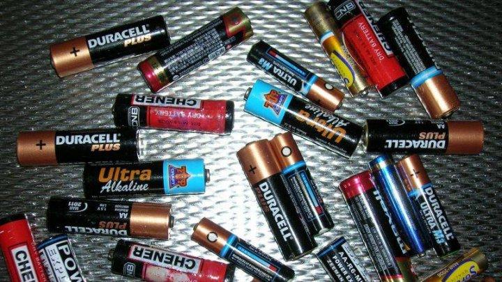 500 de kilograme de baterii uzate au fost colectate timp de doi ani. Unde vor fi transportate acestea
