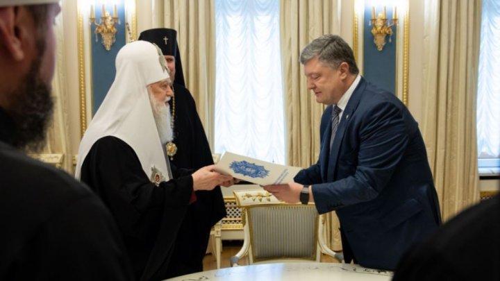 Rada Supremă de la Kiev a votat pentru separarea de Biserica Ortodoxă Rusă. Cererea, adresată Constantinopolului