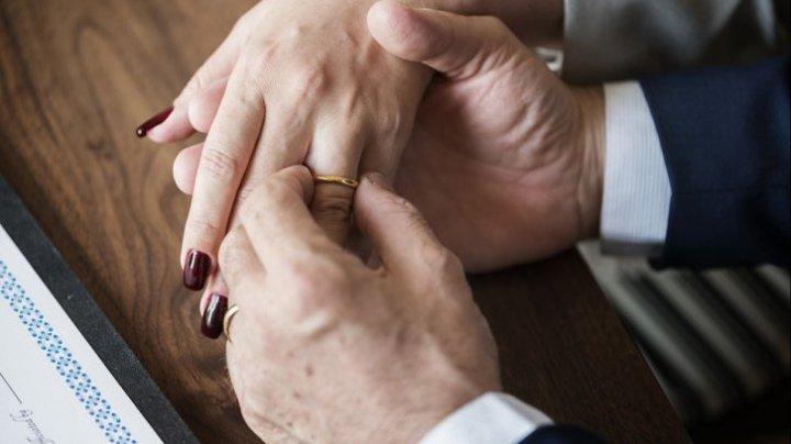 Studiu: S-a descoperit care e cea mai fericită etapă a unei căsnicii