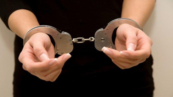Un moldovean și o femeie din Belarus, reținuți pentru proxenetism