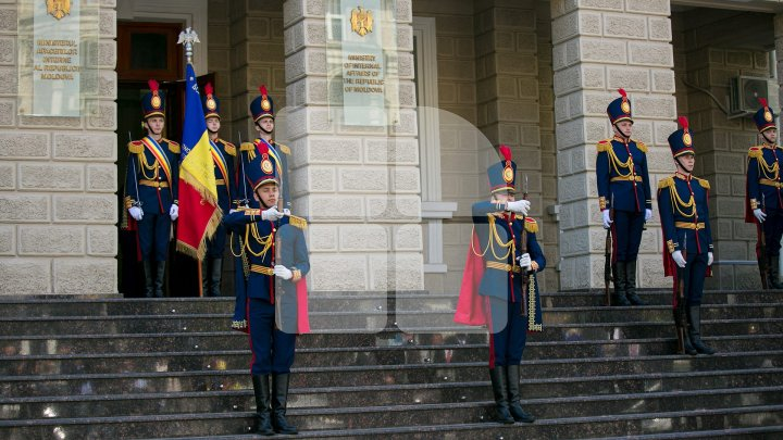 Ziua Drapelului Național al Republicii Moldova. Garda de Onoare a MAI a prezentat un program impresionant (FOTOREPORT)