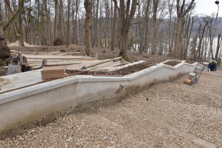 Scările din parcul Valea Morilor, în plin proces de reconstrucţie. Când se vor termina lucrările (FOTO)