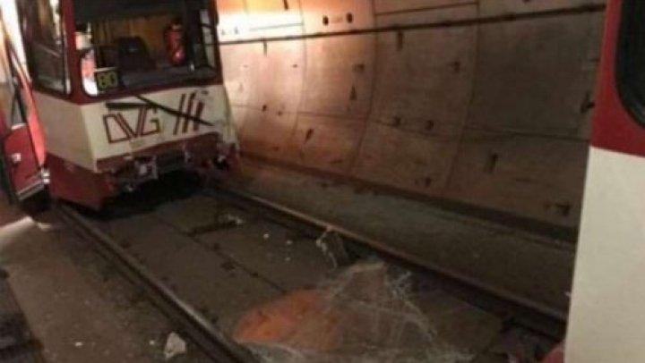 Accident în Germania. Două garnituri de metrou s-au ciocnit în orașul Duisburg. Zeci de victime
