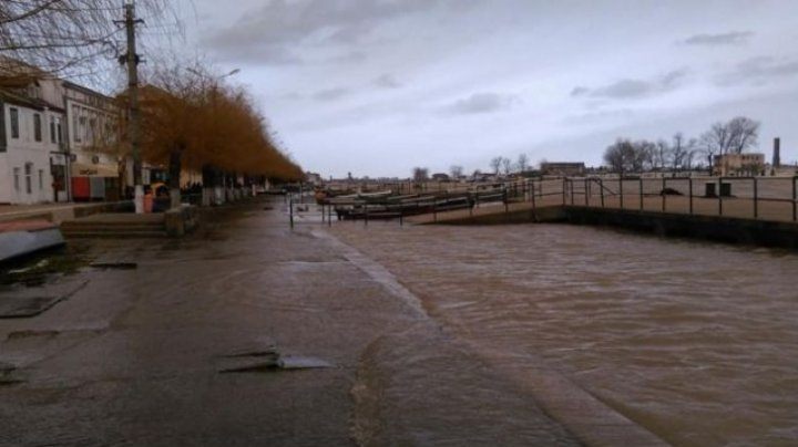 Cod galben şi Cod portocaliu de inundaţii pe sectorul românesc al Dunării, până pe 30 aprilie