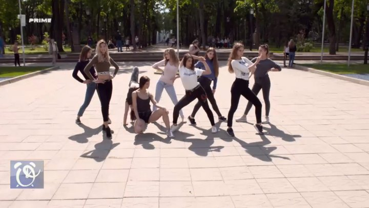 Black & White, FLASHMOB în centrul Capitalei de ziua Internaţională a Dansului (VIDEO)