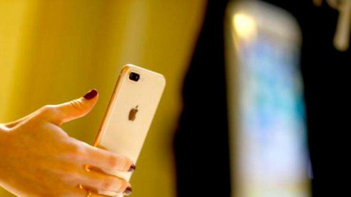 Apple va lansa un telefon mai ieftin decât iPhone X