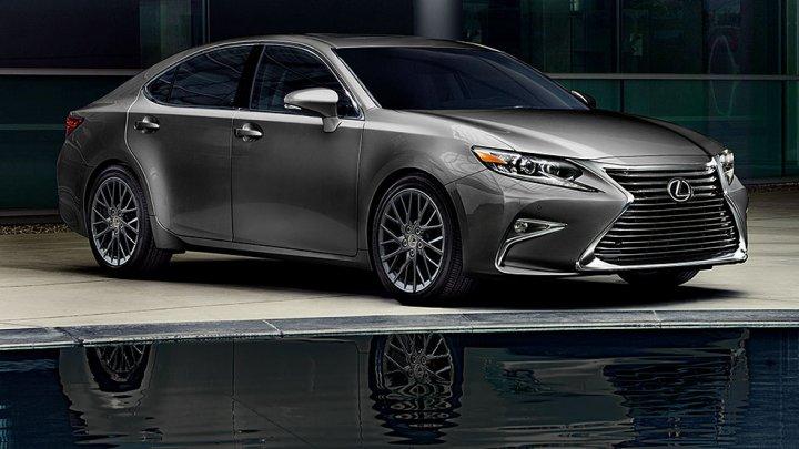 Lexus a publicat o imagine oficială cu noua generație ES