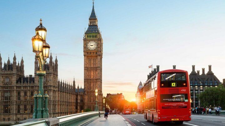 """Londra anunţă un acord cu UE în """"războiul cârnaţilor"""""""