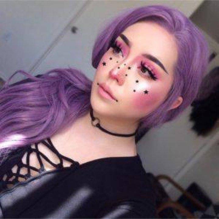 Moda scapă de sub control. Un nou trend pe Instagram face ravagii (GALERIE FOTO)