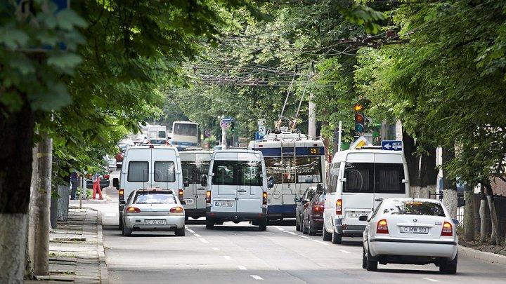 Atenţie, locuitori ai Capitalei! Se modifică ruta maxi-taxiului nr. 138