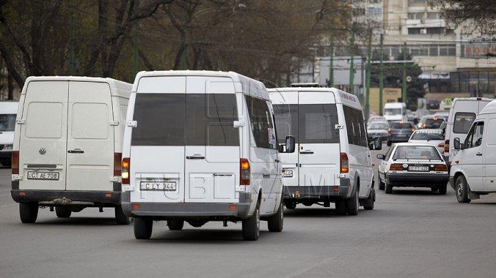 ATENŢIE! Mai multe microbuze şi autobuze de linie din Capitală circulă după rute  noi