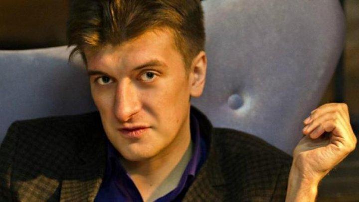 Moarte suspectă. Un jurnalist de investigaţie rus a murit după ce a căzut de la balcon
