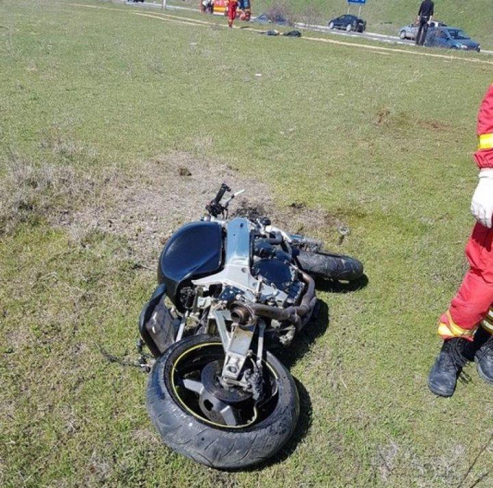 Accident de groază! Un motociclist a fost decapitat, după ce a ieşit cu motocicleta în afara carosabilului (FOTO)