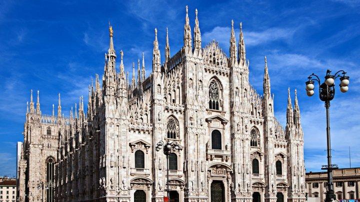 O seră neobişnuită, deschisă în Milano: În interior sunt reprezentate toate anotimpurile anului