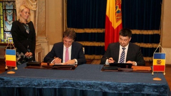 Moldova şi România au semnat un plan de colaborare în domeniul apărării. Prevederile documentului