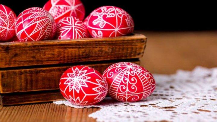 Incredibil! Ouăle roșii au puteri miraculoase, dacă se vopsesc în Joia Mare