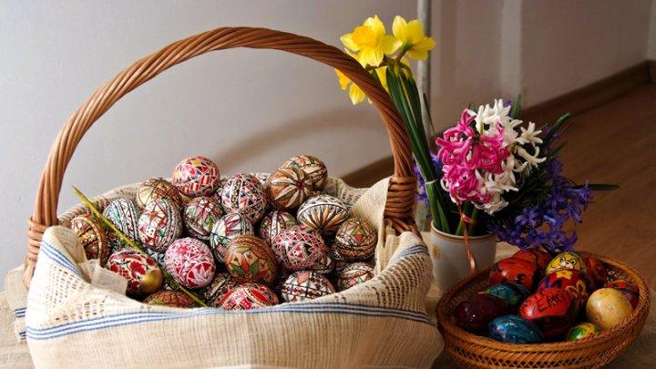 Obiceiuri şi tradiţii de Paște în Joia Mare. Ce fac gospodinele în această zi