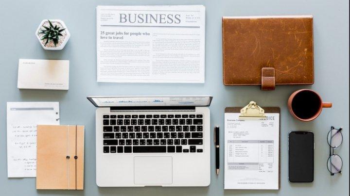 TREBUIE SĂ ŞTII! Cele trei obiecte pe care să nu le mai ții niciodată pe birou, la serviciu