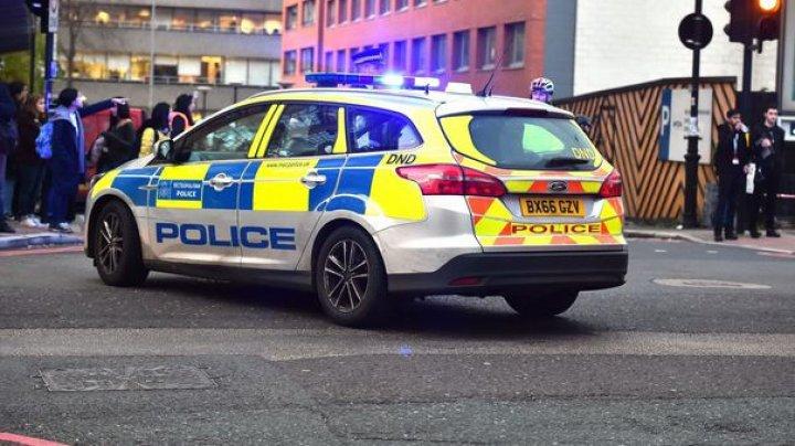 Două persoane au fost rănite, în urma unui atac cu vehicul în Marea Britanie. Anchetatorii nu exclud posibilitatea unui act terorist