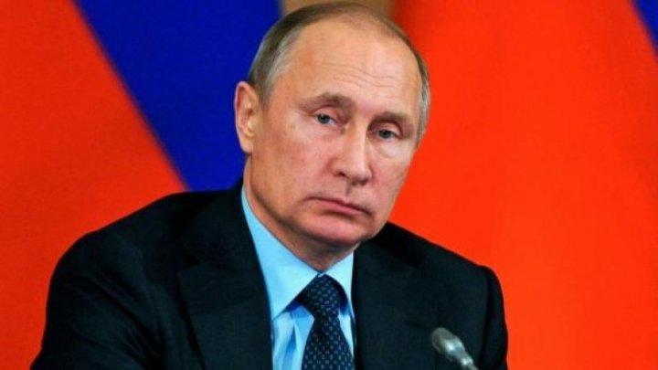 Vladimir Putin îl atenţionează pe Macron împotriva oricărei acţiuni necugetate şi periculoase în Siria