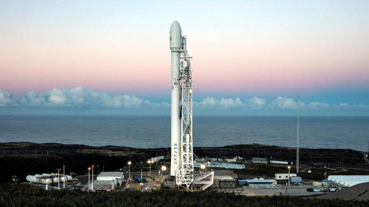 SpaceX a amânat lansarea rachetei din gama Falcon 9, din cauza unor probleme tehnice