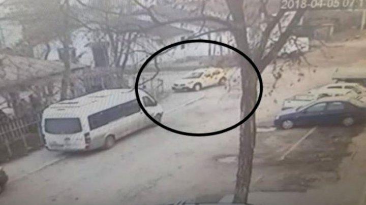 CAZ ȘOCANT! Un taximetrist a murit la volan, în timp ce conducea mașina (VIDEO)