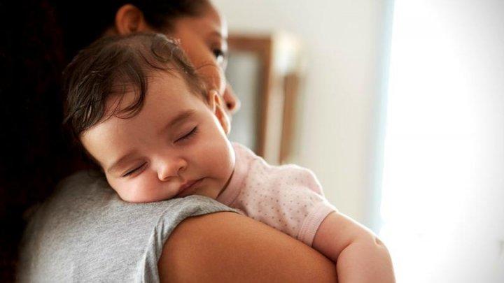 Trebuie să știi asta! Cinci trucuri să-ți ajuți copilul să adoarmă mai ușor