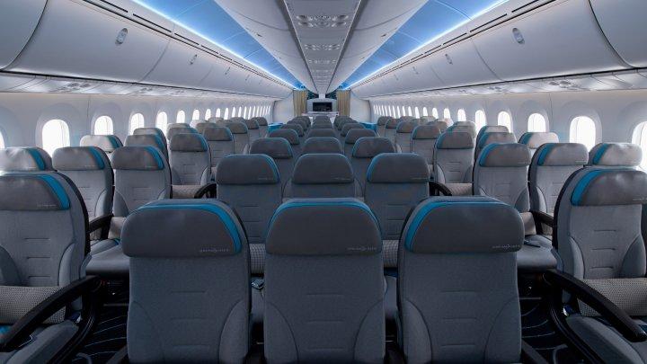 De ce însoțitorii de zbor te roagă să ridici obloanele ferestrelor la decolare și aterizare