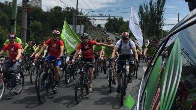 Mii de oameni au participat la Velo Fun! Au parcurs 15 kilometri pe bicicletă prin Chişinău