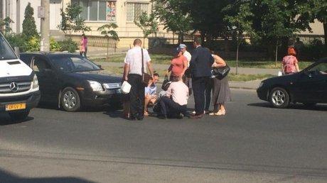 Accident în Capitală! O femeie, lovită chiar pe trecerea de pietoni (FOTO)