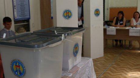 Pragul minim privind prezenţa la urne a fost atins în Chişinău. Alegerile pot fi declarate valabile