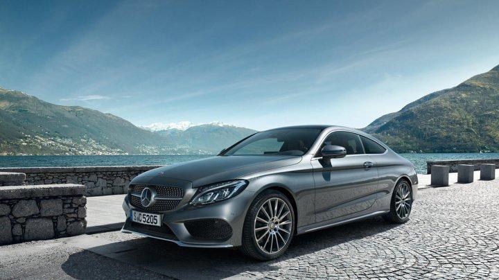 Autorităţile germane suspectează Mercedes că ar fi trucat testele de emisie