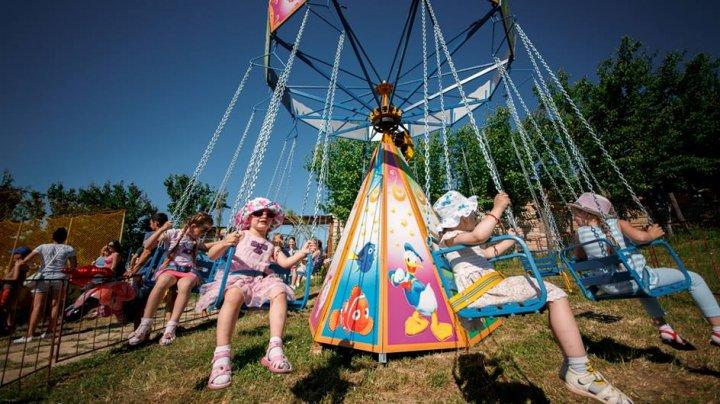 Sărbătorim copilăria împreună! Vatra organizează şi în acest an Carnavalul Copiilor. Ce surprize îi aşteaptă pe micuţi (FOTO)