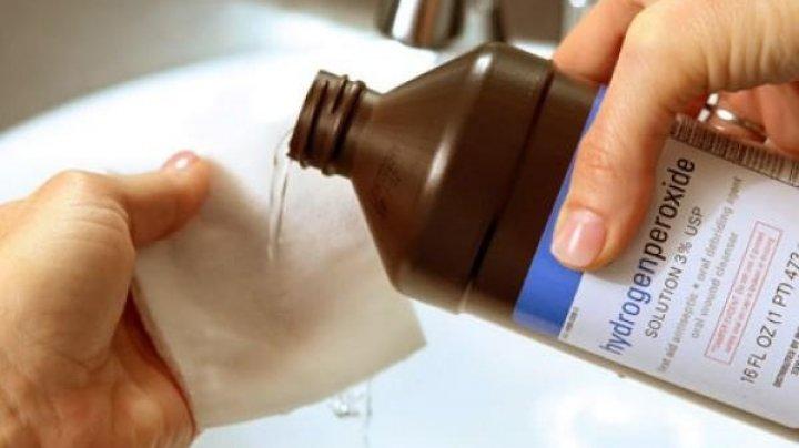 Peroxidul de hidrogen, unul dintre cele mai eficiente dezinfectante din lume. În ce situaţii îl poţi folosi