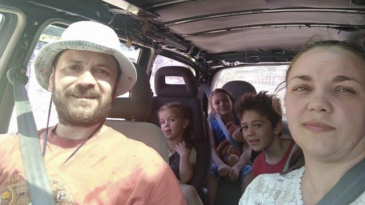 """""""Eu port centura de siguranţă!"""" Tot mai multe persoane răspund provocării lansate de Andrian Candu,  #RoadSafetyChallenge (FOTO)"""