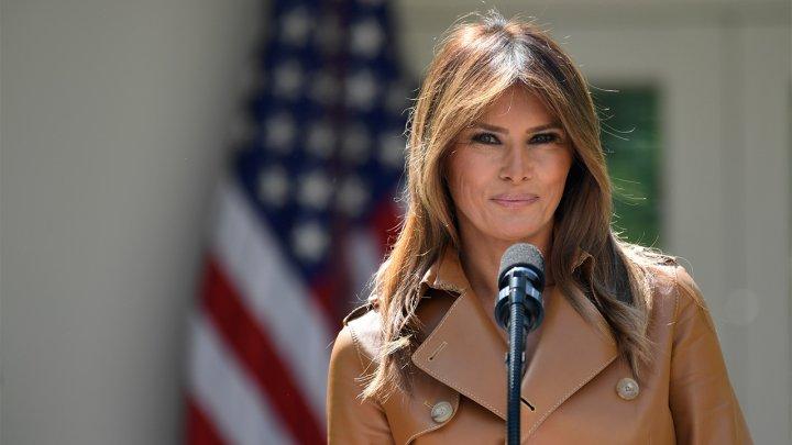 Melania Trump critică politica de separarea a familiilor care intră ilegal în SUA și vrea reformarea acesteia