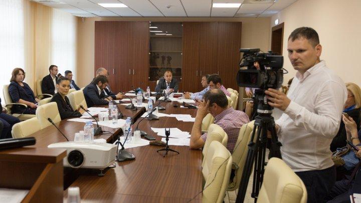 Dezvoltarea sectorului întreprinderilor mici și mijlocii, audiată la Comisia economie, buget și finanțe