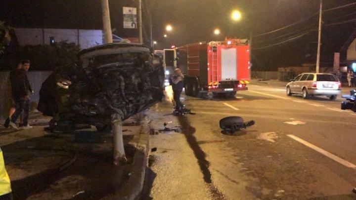 Accident incredibil! Mașina a fost făcută zob, iar şoferul a scăpat nevătămat (VIDEO)