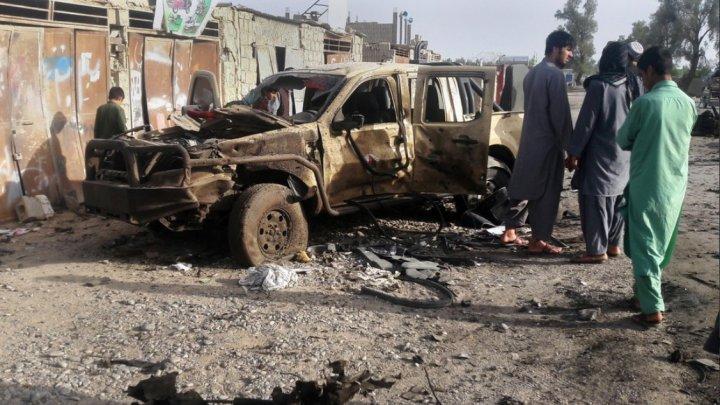 Cinci persoane au fost ucise într-un atac al talibanilor asupra unui convoi al Serviciilor de informaţii din Afganistan
